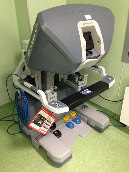 Робот daVinci консоль хирурга